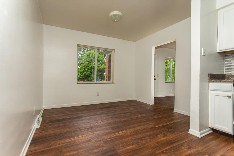977 Prairie Avenue Property Photo 8