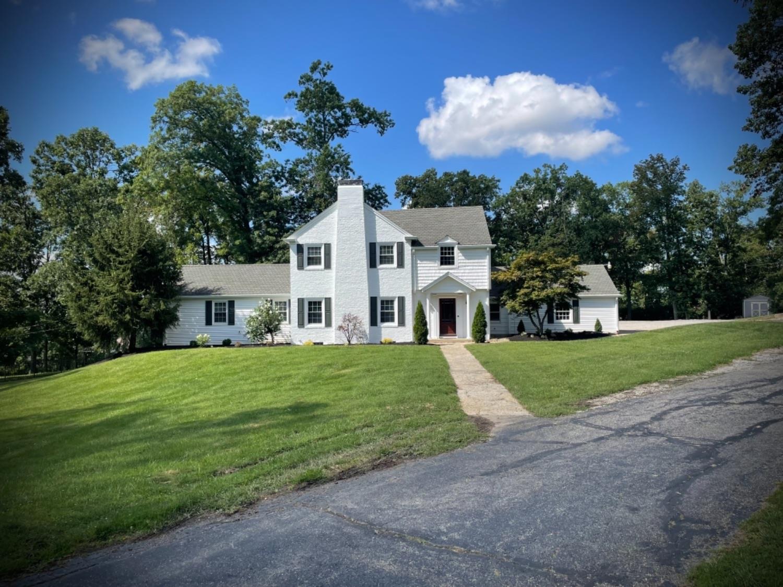 5961 Oakridge Road Property Photo