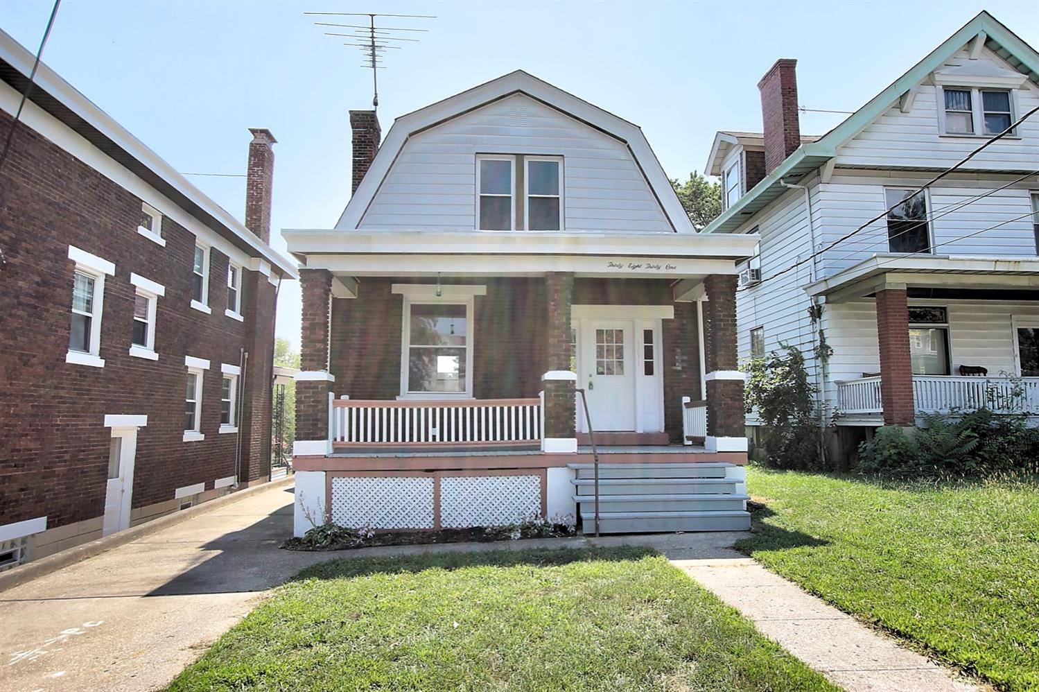 3831 St Lawrence Avenue Property Photo