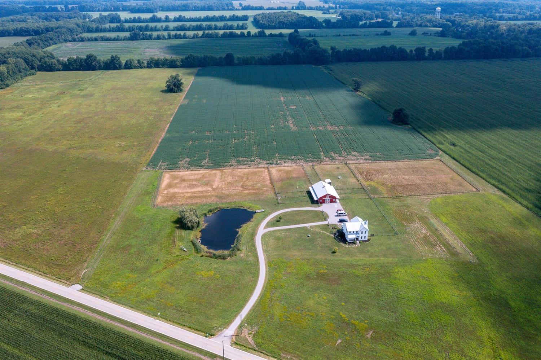 6588 Newtonsville Road Property Photo