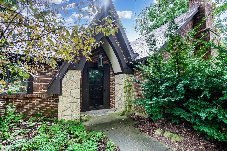 8890 Winton Hills Court Property Photo 1
