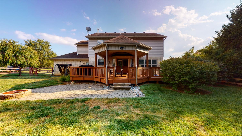 3394 Lake Crest Drive Property Photo 8