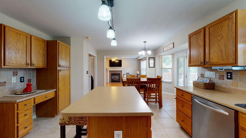 3394 Lake Crest Drive Property Photo 24