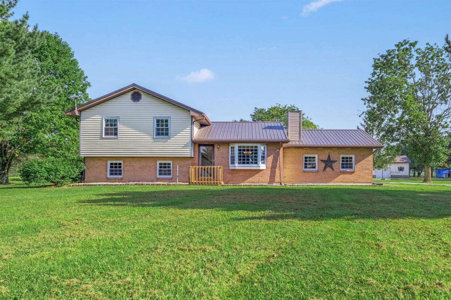 1371 Tri County Highway Property Photo