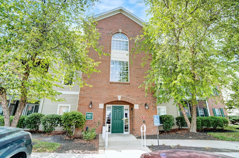 5461 Michelles Oak Court Property Photo
