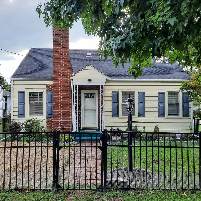 4049 Hudson Street Property Photo