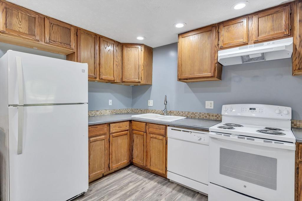 4323 Mt Alverno Road Property Photo 5