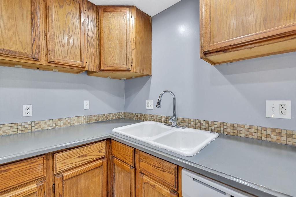 4323 Mt Alverno Road Property Photo 7