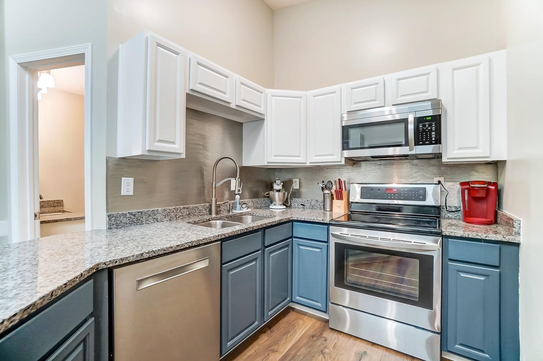 2403 Bendel Street Property Photo 12