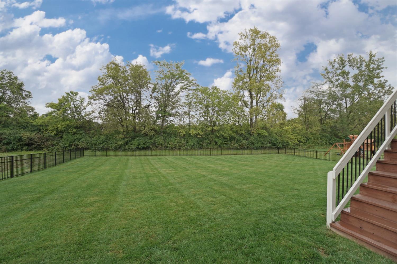 3040 Ambleside Drive Property Photo 4