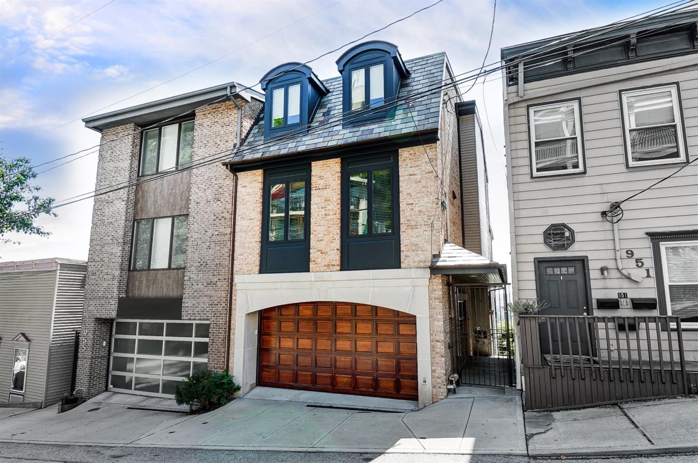 953 Hill Street Property Photo 1