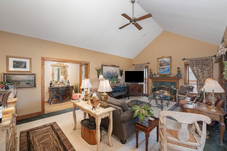 6530 Bridgeton Manor Court Property Photo 2