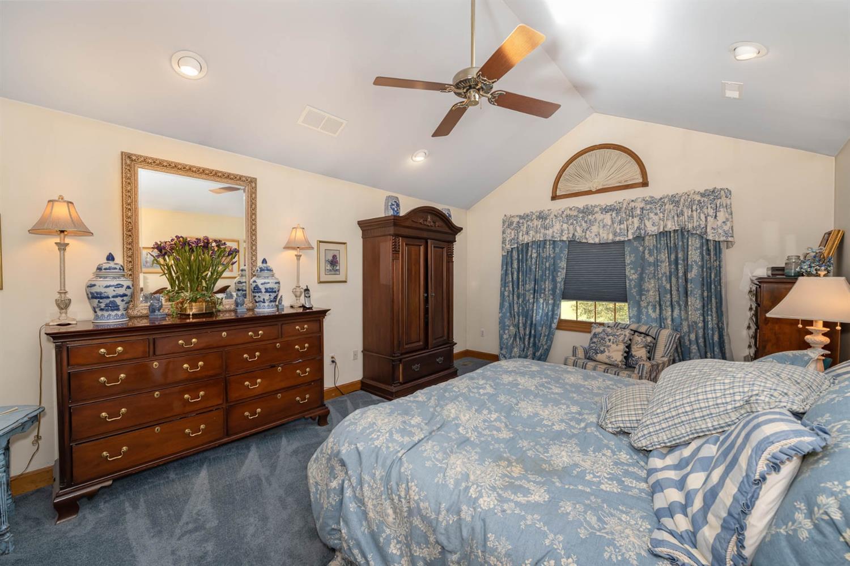 6530 Bridgeton Manor Court Property Photo 17