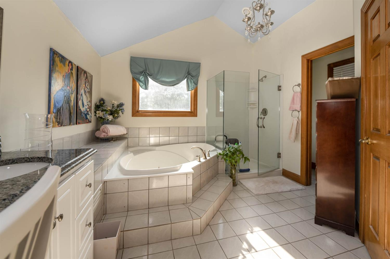 6530 Bridgeton Manor Court Property Photo 18