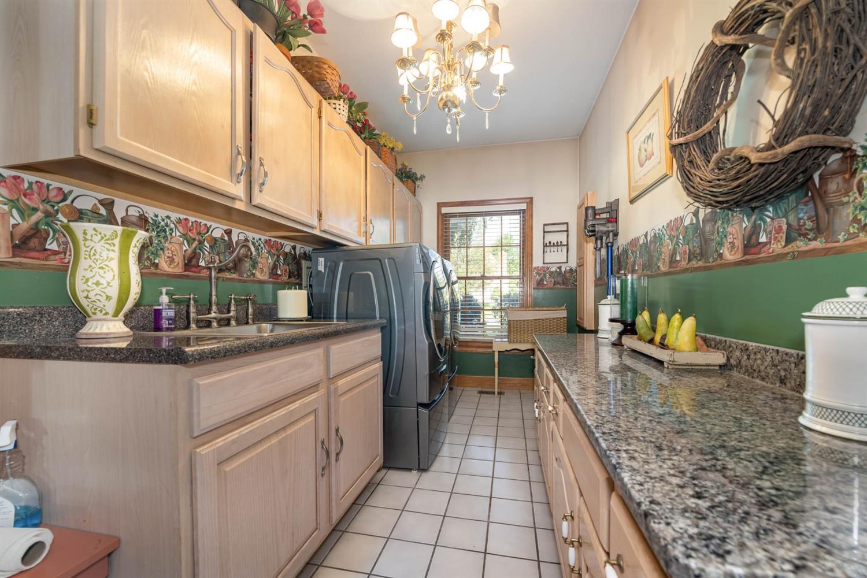 6530 Bridgeton Manor Court Property Photo 23