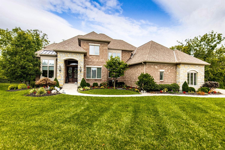 6385 Coach House Way Property Photo 1