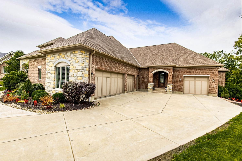 6385 Coach House Way Property Photo 2