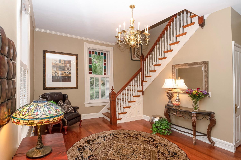 60 E Sharon Road Property Photo 3