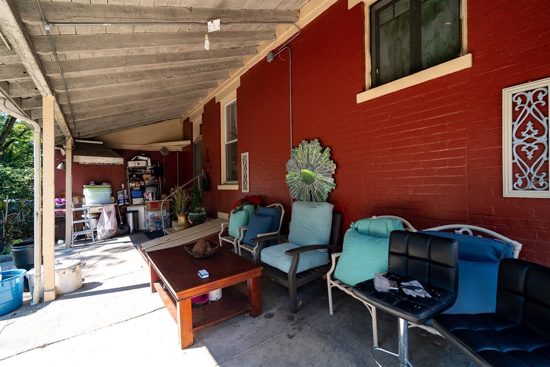 23 Wuest Street Property Photo 45