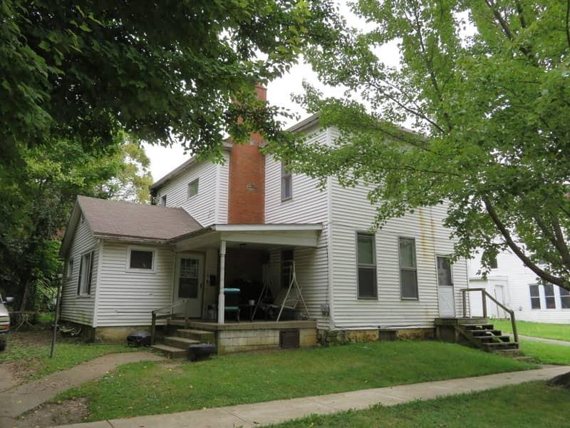 108 E South Street Property Photo