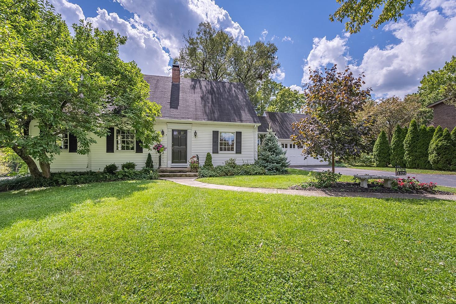 5325 Boomer Road Property Photo