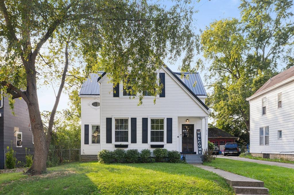 214 E Center Street Property Photo