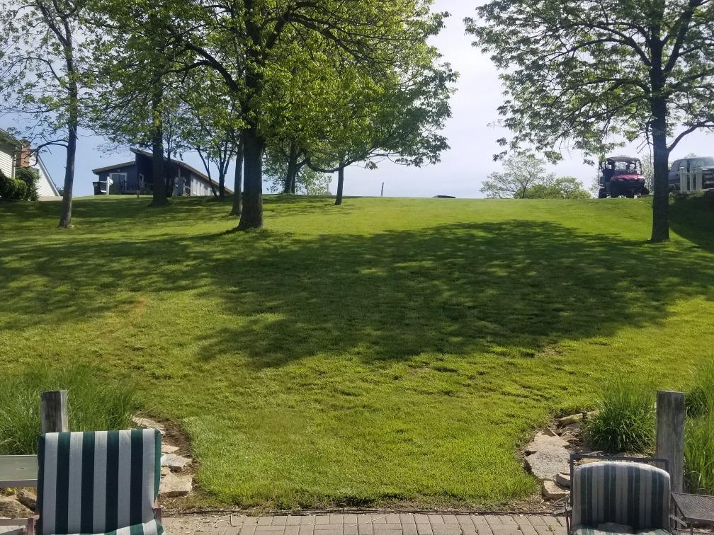 1528 Lakeview Drive Property Photo 2