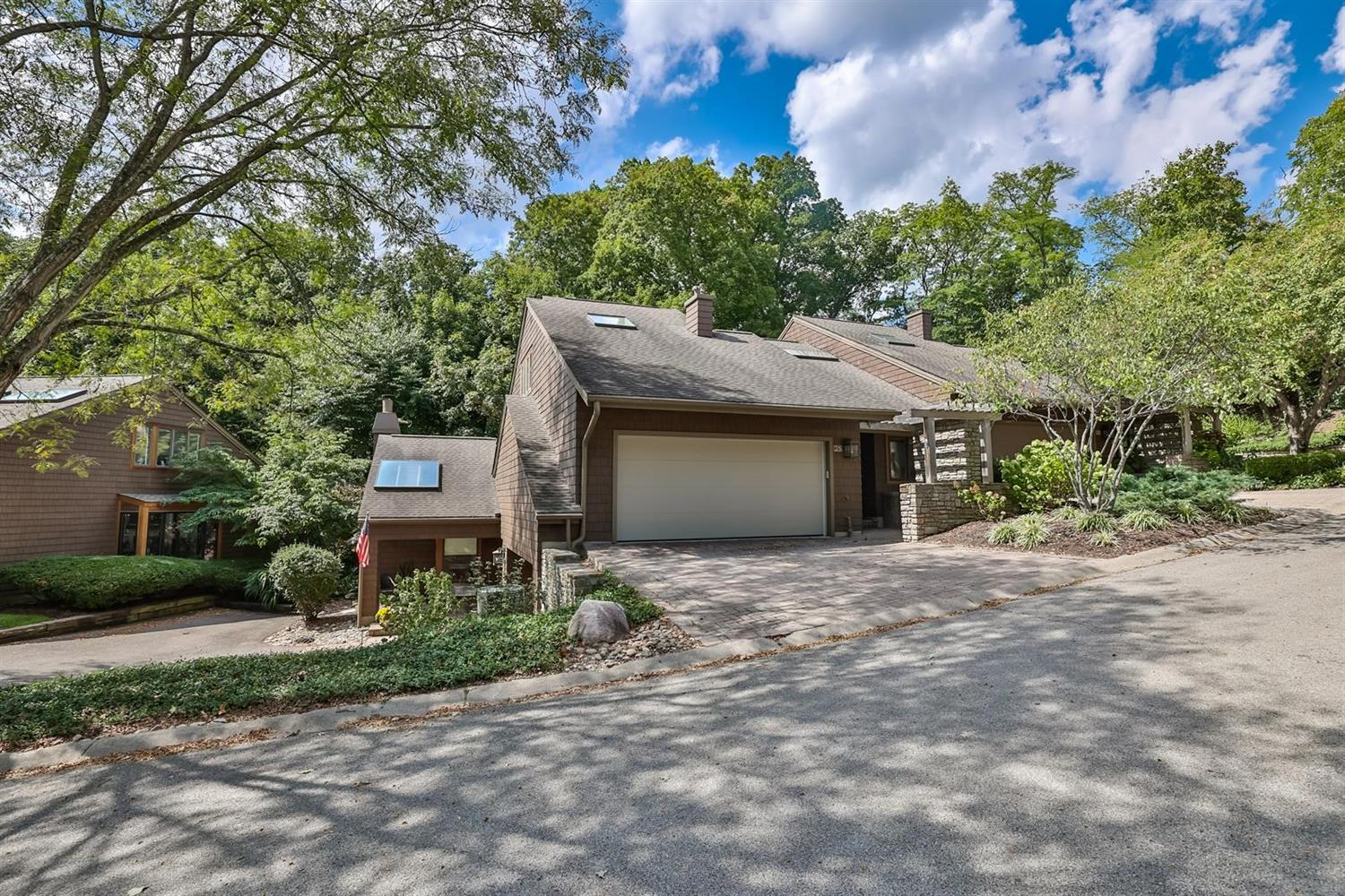 25 Spring Hill Drive Property Photo