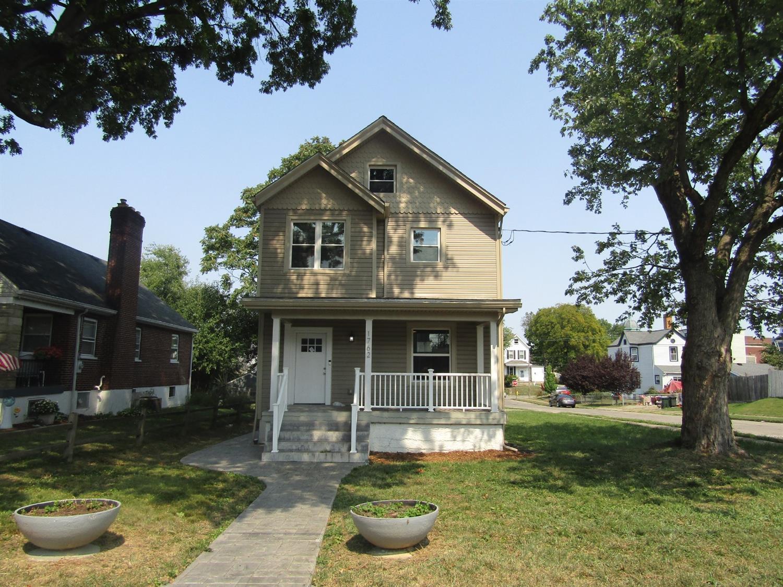 1762 Weyer Avenue Property Photo