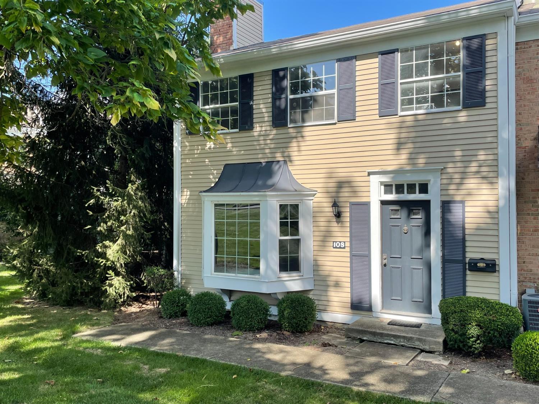 108 Applewood Drive Property Photo 1