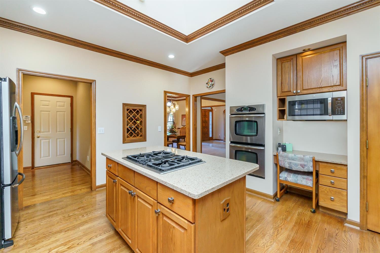3064 Southfork Drive Property Photo 10