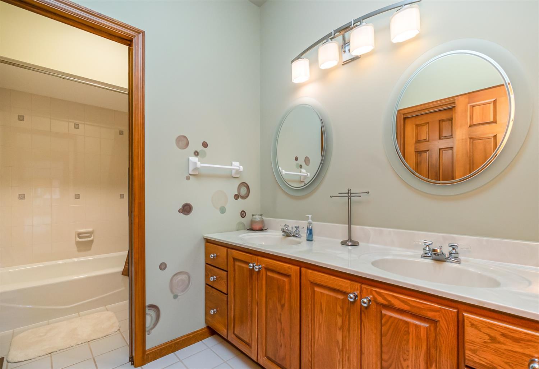 3064 Southfork Drive Property Photo 28