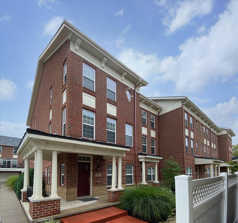 506 Brownstone Row Property Photo