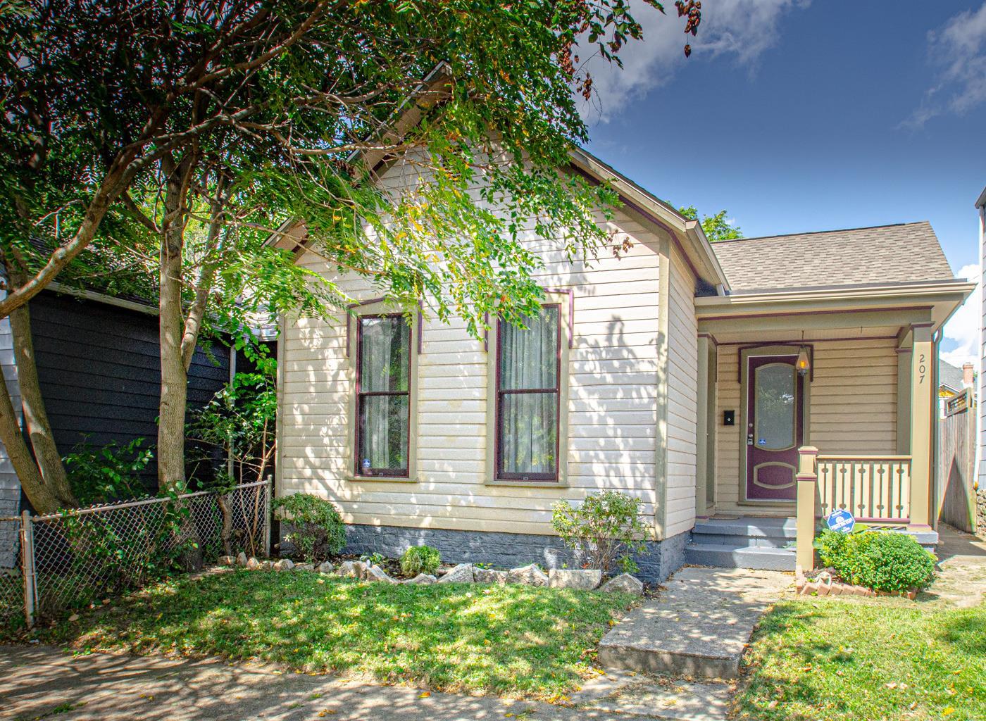 207 Adams Street Property Photo
