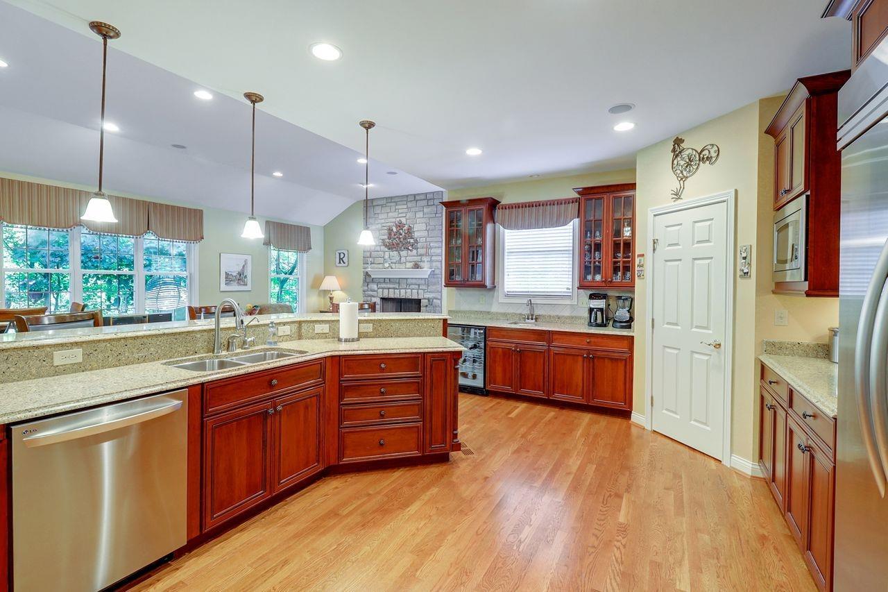 1005 Westchester Way Property Photo 6