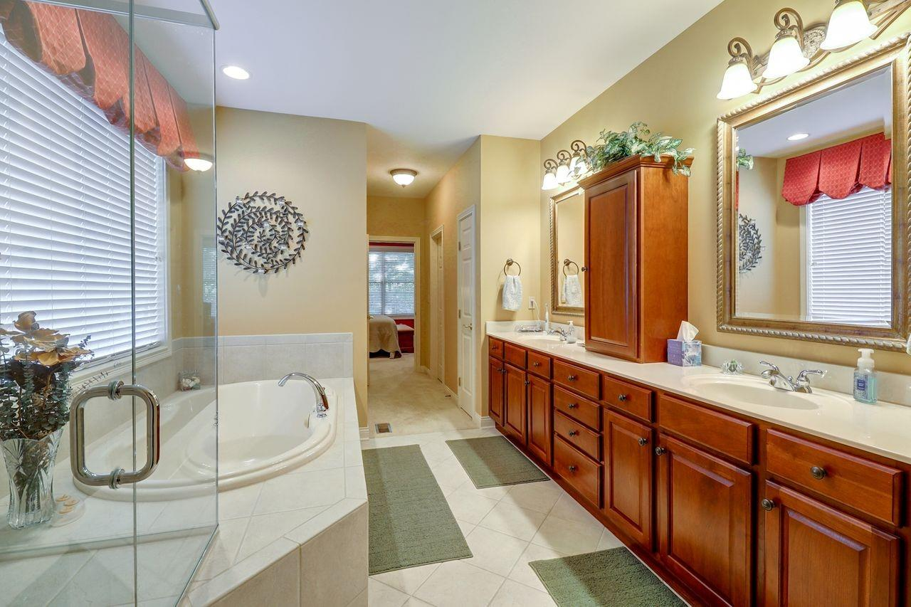 1005 Westchester Way Property Photo 19