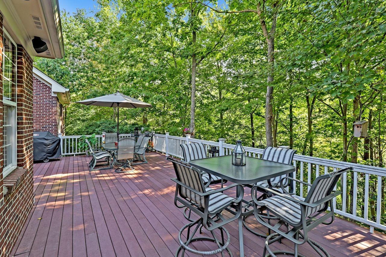 1005 Westchester Way Property Photo 27