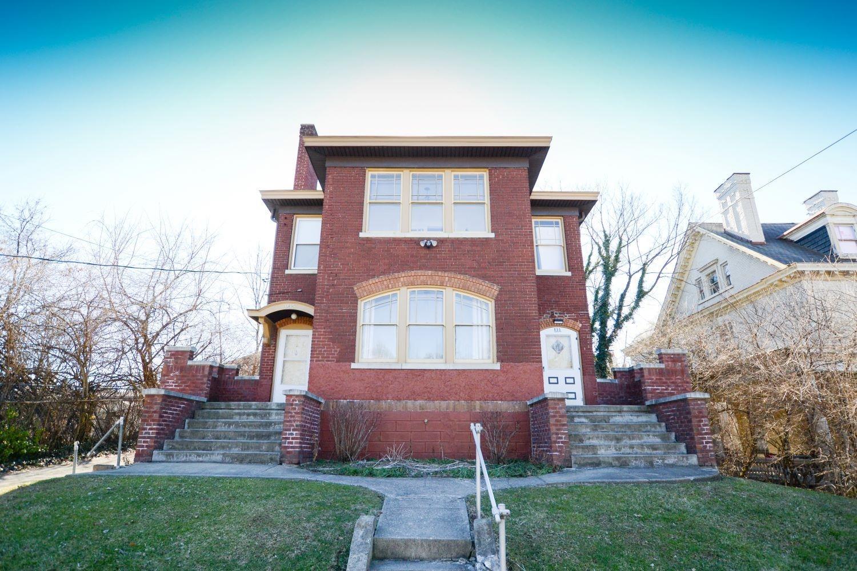 933 Marion Avenue Property Photo