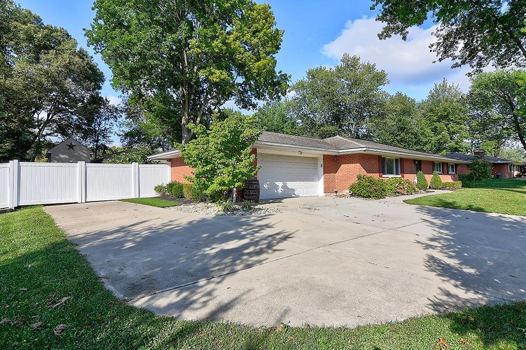 184 Charlotte Avenue Property Photo 4