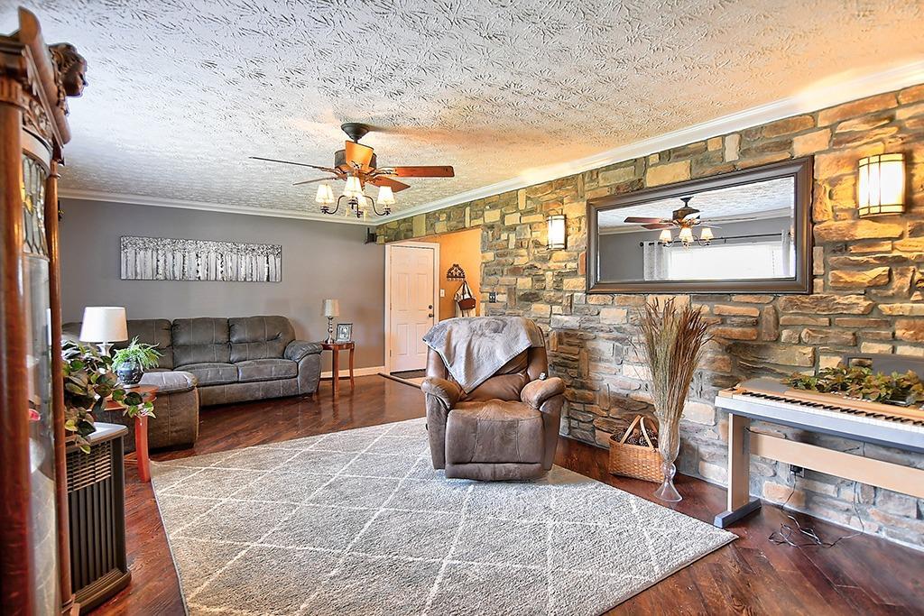 184 Charlotte Avenue Property Photo 5