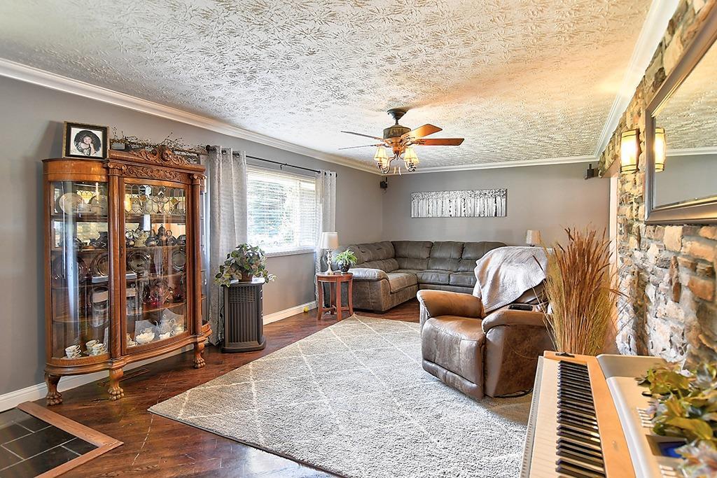 184 Charlotte Avenue Property Photo 6