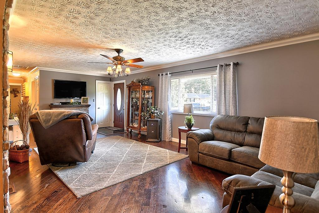 184 Charlotte Avenue Property Photo 7
