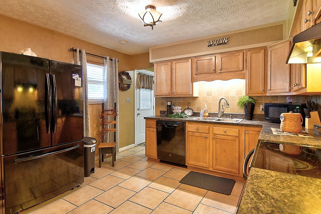 184 Charlotte Avenue Property Photo 12