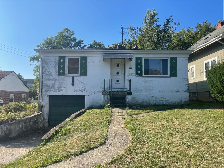 1147 Cedar Avenue Property Photo