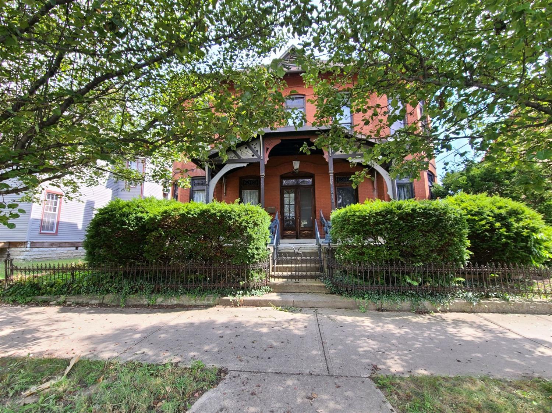 218 N Barron Street Property Photo