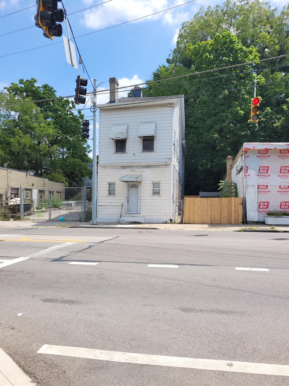 4534 Kirby Avenue Property Photo