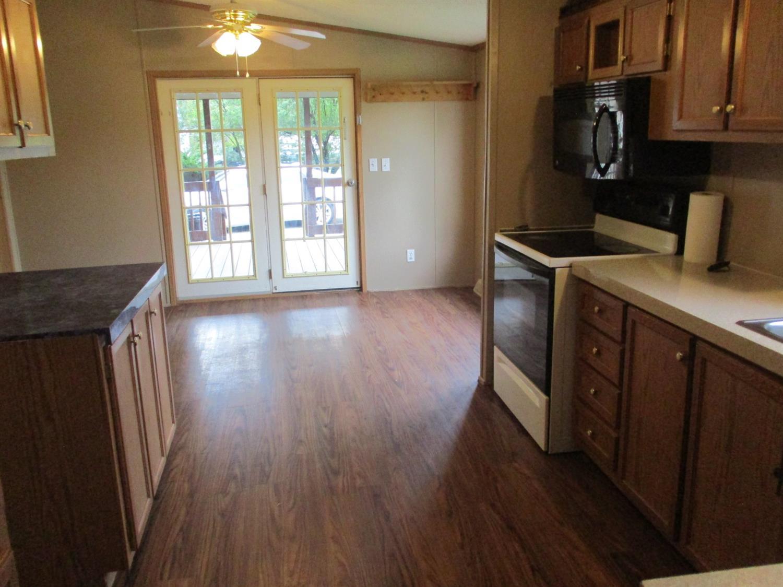 10125 Oak Meadows Drive Property Photo 9