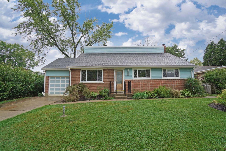 985 Hollytree Drive Property Photo