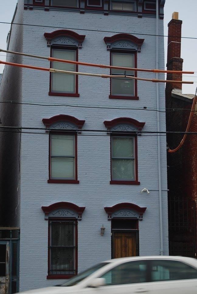 220 E Liberty Street Property Photo