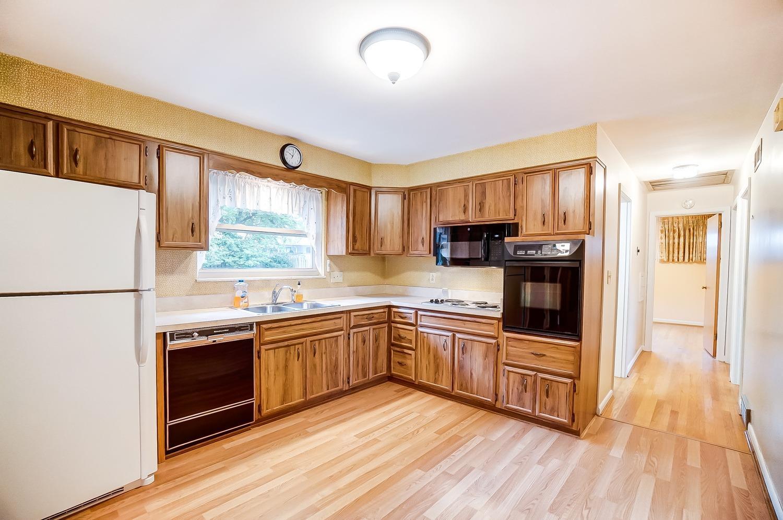 2860 Dunaway Avenue Property Photo 4